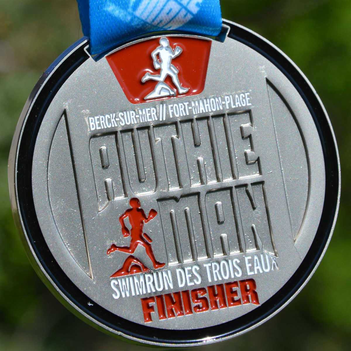 Médaille Finisher ronde réalisée pour le Swimrun des Trois Eaux - Berck-sur-mer - Fort-Mahon-Plage - AuthieMan